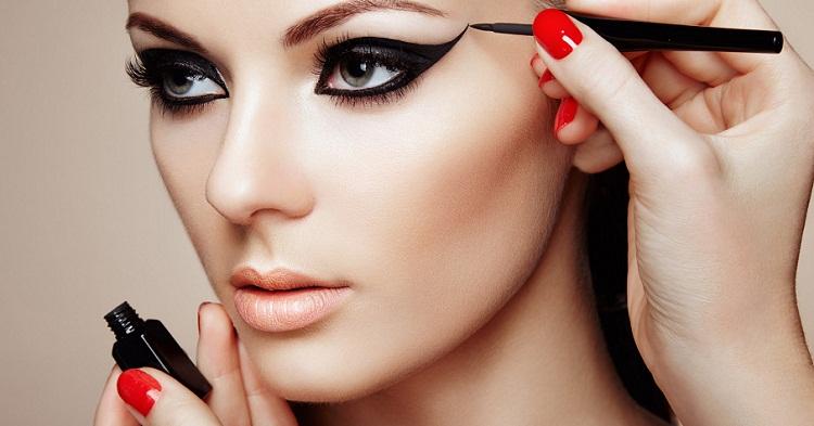Пользоваться ли косметикой декоративной